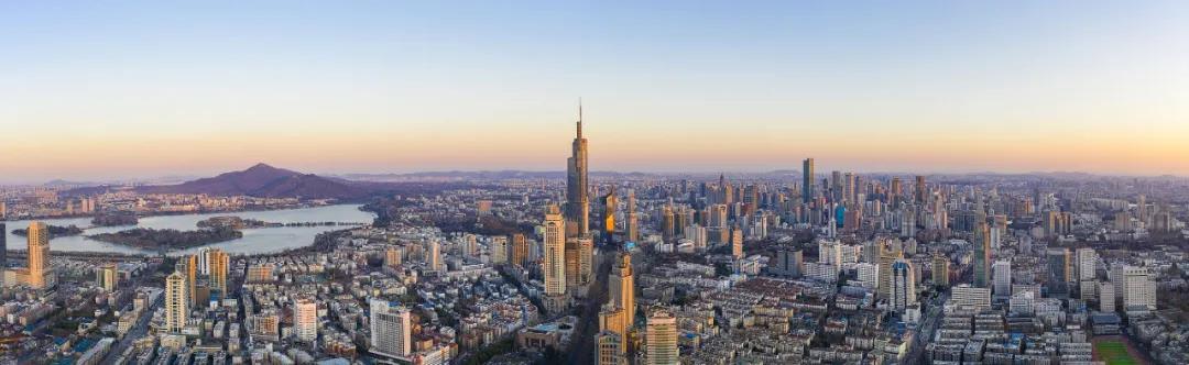 大项目花开全市,图为南京城。图片来源:视觉中国