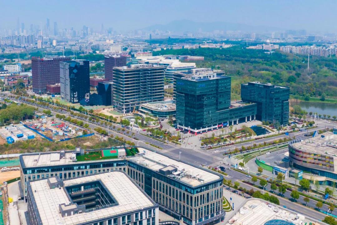 空中俯瞰中国(南京)软件谷北园。通讯员 庄雷 林园园 南报融媒体记者 冯芃 摄
