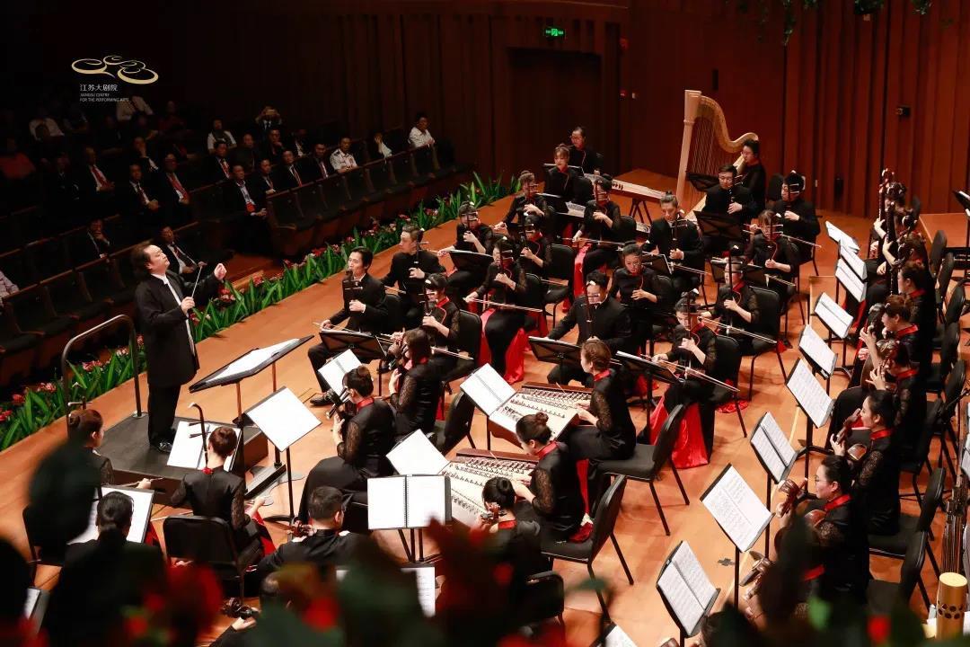 大型民族交響樂《解放·1949》演出照。江蘇大劇院供圖