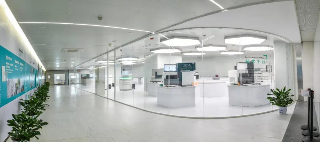 南京江北新区生物医药公共服务平台基因测序中心实验室。南京江北新区供图