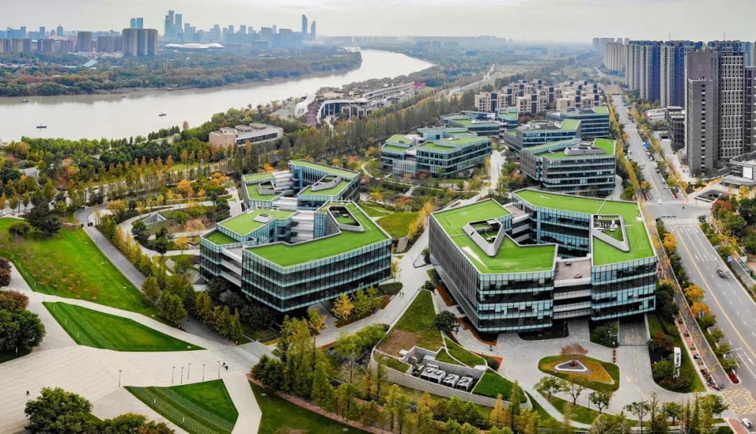 扬子江生态文明创新中心位于江心洲江岛智立方。南报融媒体记者 段仁虎 摄