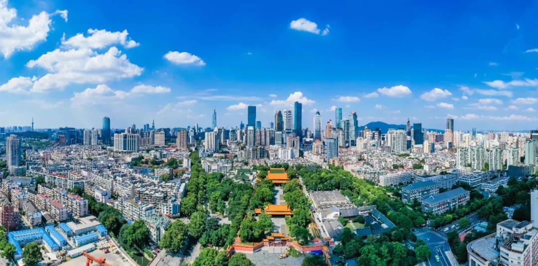 南京全力打好污染防治攻坚战,空气优良率由64%提升到84%,水晶天频现。南报融媒体记者 董家训摄