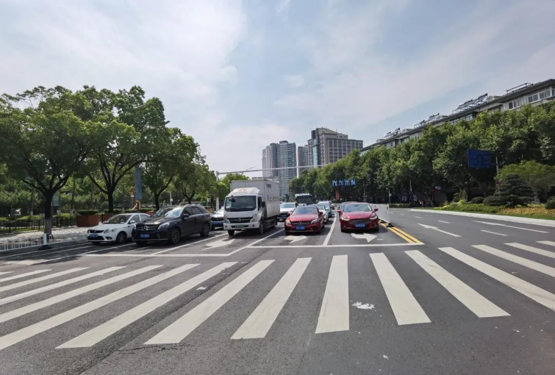 升州路路口改造后。南报融媒体记者 王茸 摄
